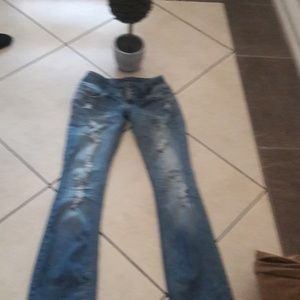 ALMOST FAMOUS BOOT CUT JEAN IN SZ2
